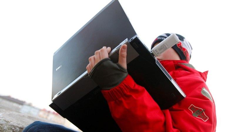 Uuring: kaks kolmandikku Eesti lapsevanematest ei tea, mida nende lapsed internetis teevad