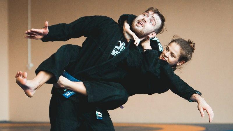 Videomäng ajas Saaremaa neiu kaklema ja kägistama, tasuks Euroopa meistritiitel