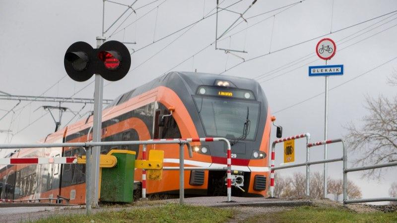 SADA SÜNDMUST, MIS MÕJUTASID EESTIT | 53. koht: Eesti rongi- ja parvlaevaliikluse uus tulemine