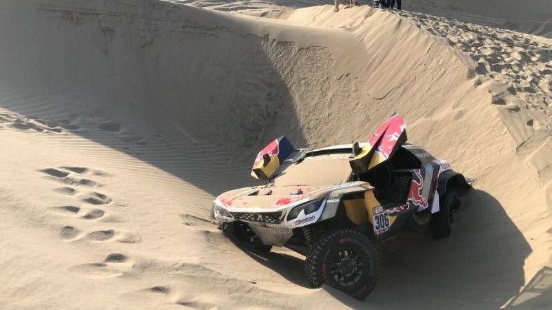 VIDEO | Sebastien Loeb katkestas kaardilugeja trauma tõttu Dakari ralli