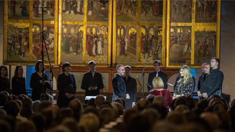 GALERII   Rahvusringhäälingu muusikatoimetajad andsid üle aasta muusiku auhinna