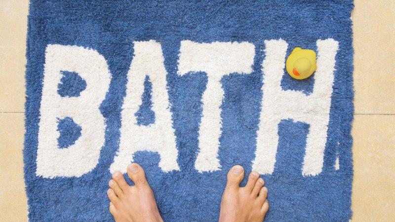 EI KAITSTA END BAKTERITE EEST: kas tead, kui sageli peaksid pesema vannitoavaipa? Kus hoidma rätikuid?