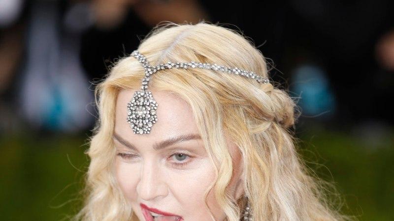 59aastane Madonna jäi paparatsole vahele kahtlaselt punnis palgetega