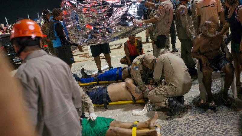 FOTOD | Copacabana ranna lähistel sõitis auto jalakäijate hulka, hukkus 8kuune imik
