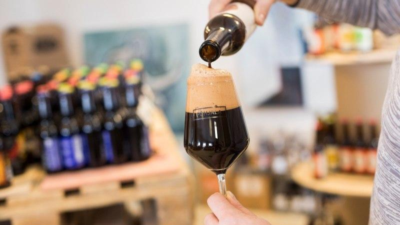 PANE TÄHELE, UUED HINNAD JA PALGAD: 1. veebruarist tõuseb taas alkoholiaktsiis, veidi ka palgad