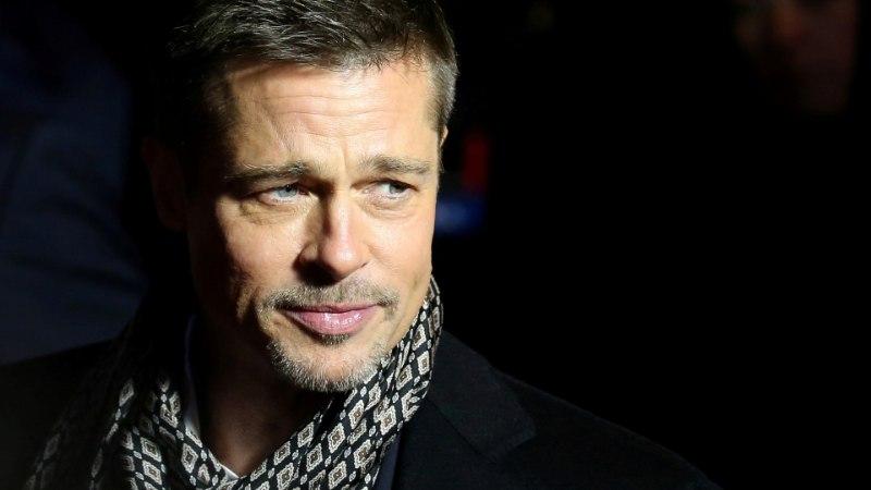 Superstaar Brad Pitt moosib naisi salanime all