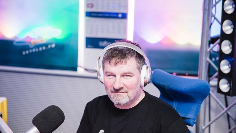 FOTO | Alari Kivisaar: appi, meie raadiomaja laguneb!