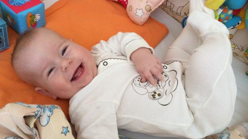 Lastefond toetab raske immuunpuudulikkusega aastase poisi ravi Inglismaal