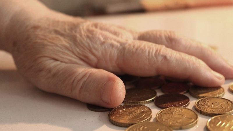 EBASEADUSLIK: kohalikud omavalitsused kasseerivad eakatelt üksi elava pensionäri toetust sisse