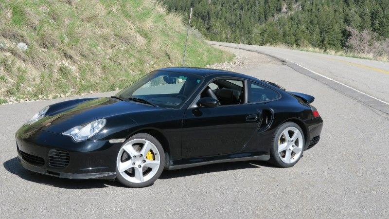 PUNANE JA MUST: Porsche klassikud toidavad unistusi tõelistest autodest