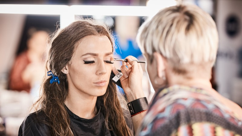TV3 VIDEOD   Vaata, kuidas Marta Laan ja Liis Lemsalu läbivad näosaates totaalse muutumise
