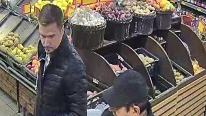 Полиция устанавливает личности мужчин, которые подозреваются в краже