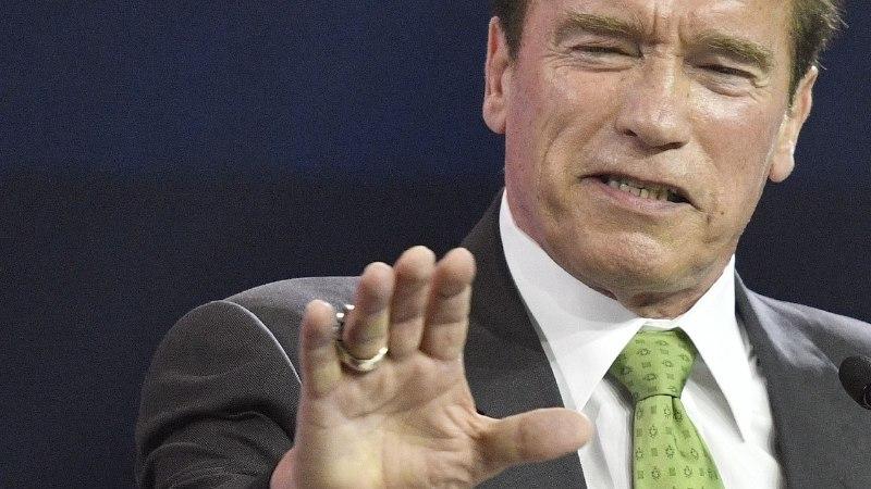 """Naisi käperdanud Schwarzenegger: """"Astusin korduvalt üle piiri."""""""