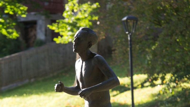 NAISTELEHT 55+ | Legendaarse jooksja armastuse lugu, mis kestab läbi kirjade tänaseni