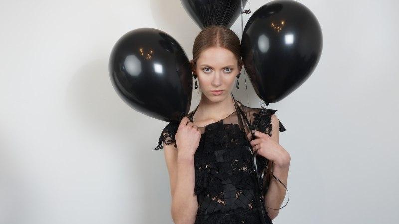 TFW 2108 | Ketlin Bachmanni iga rõivatükk sisaldab doosi külmaverelist teatraalsust