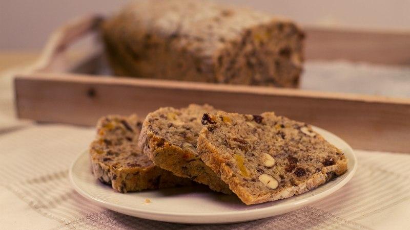 SELVERIGA KÖÖGIS | Jõululeib pähklite ja kuivatatud puuviljadega
