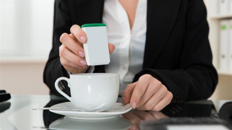 Uus uuring hoiatab: suhkruasendajad toodavad kõhus mürki!