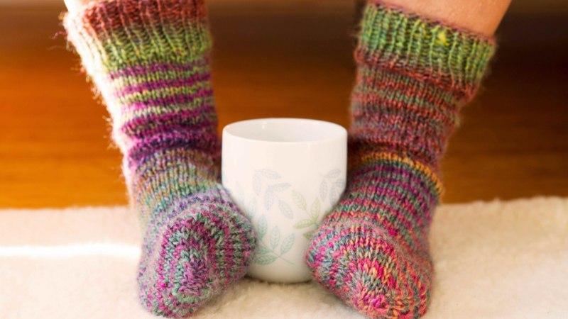 HÄDA JALGADEGA: miks need külmetavad ka soojas toas?