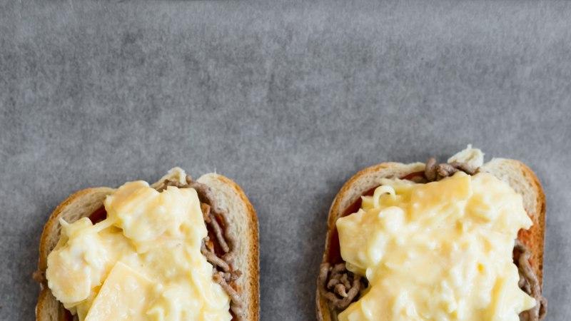 KOOLILAPSE KOKAKOOL: kolme juustuga ahjusaiad