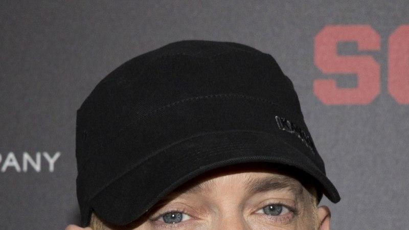 KUULSUSTE UNEKOMBED: Nigella magab kahe tunni kaupa, Eminem varjab aknaid fooliumiga