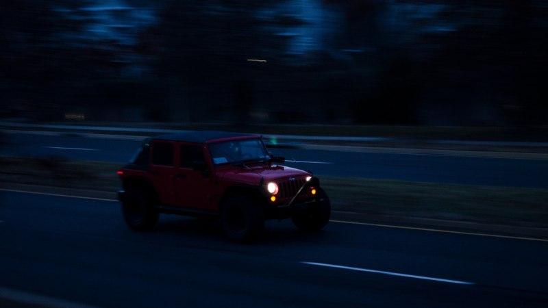 OHTLIK ÖINE TEE: nippe turvalisemaks autosõiduks pimedal ajal