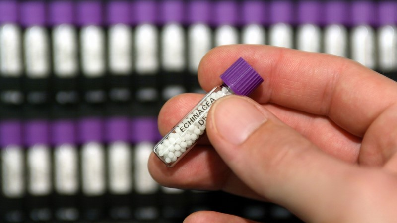 VIDEO   Perearst homöopaatilistest ravimitest: suhkrutükki on odavam uskuda