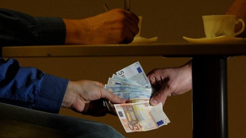 Pärnu volikogu liige nõudis linnapead ähvardades 72 000 eurot altkäemaksu