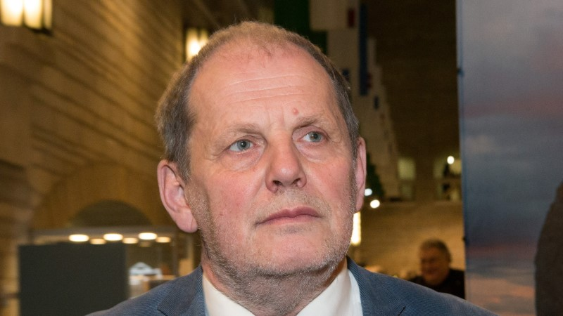 Peeter Ernits astus homoteema pärast tütrega sõnasõtta