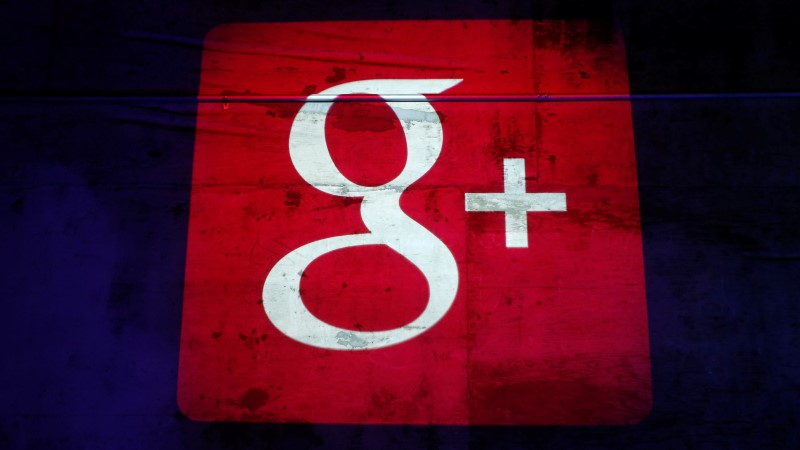 """Google закрывает соцсеть Google+, рассказав о крупнейшей """"утечке"""" данных"""