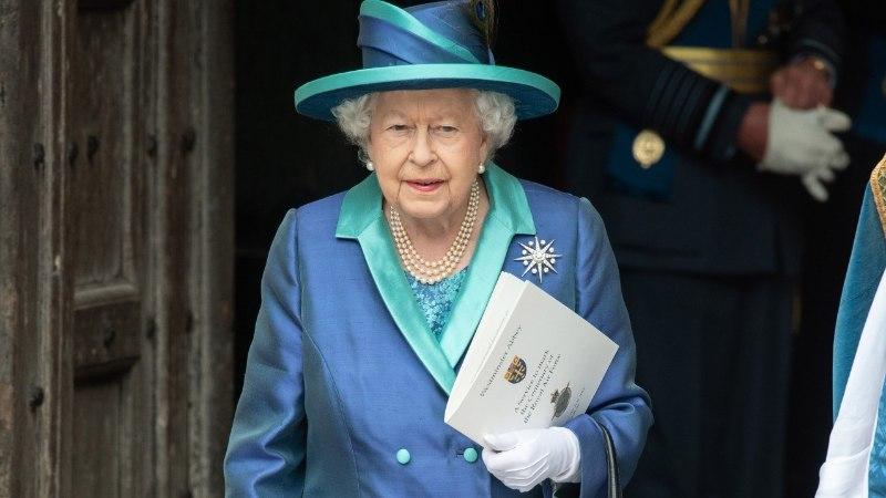Igale nahatoonile oma lakk: vaata, milline on kuninganna Elizabeth II lemmik!