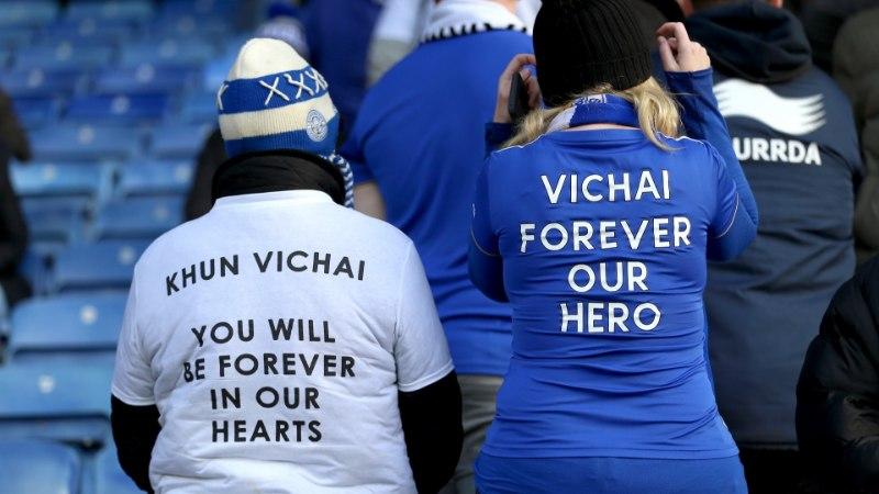VIDEO ja FOTOD   Leicester mälestas vutiklubi traagiliselt hukkunud omanikku pika leinaseisakuga