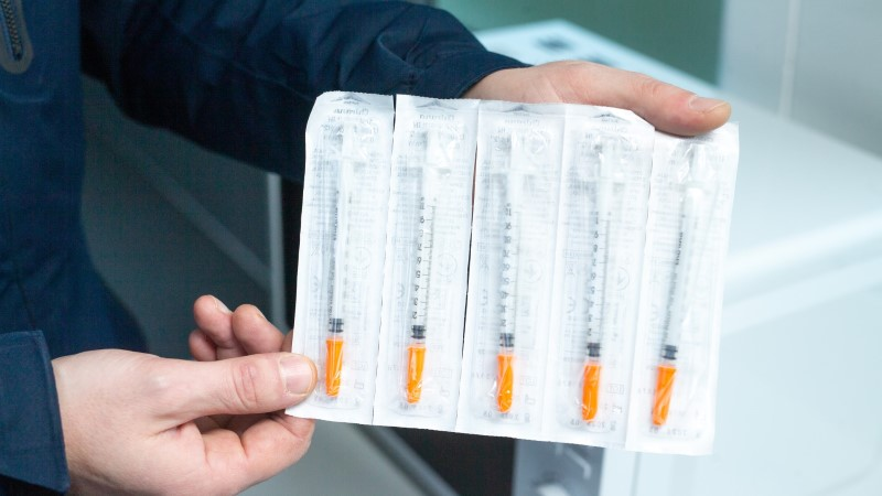 Tallinnas, Harjumaal ja Ida-Virumaal sõidavad nüüd süstlavahetus- ja nõustamisbussid