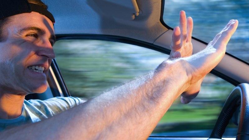 HÄDAOLUKORRAKS VALMIS: mida teha, kui autol kaovad sõidu ajal pidurid?