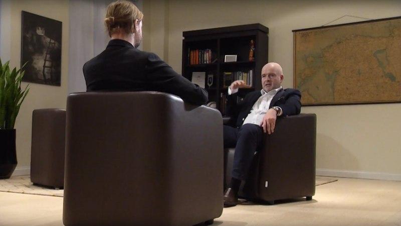 """""""Radari"""" peatoimetaja Kärt Anvelt selgitab, kas tema abikaasal on sobilik saatele intervjuu anda"""