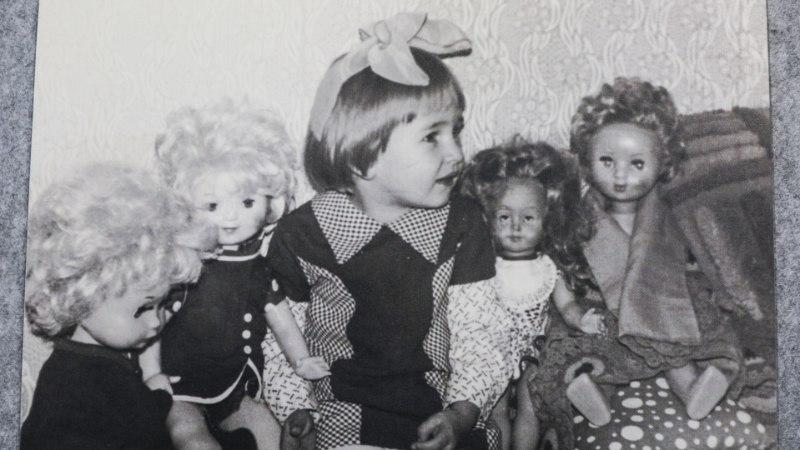 100 aastat Eesti laste mänguasju: vineerlehmast neegrinuku ja laulva koerani