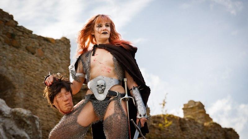 NOVEMBER VIDEOS | Erich Kriegeriga kadrisandis, transseksuaal Susannaga kindluse varemestes ja palju muud!