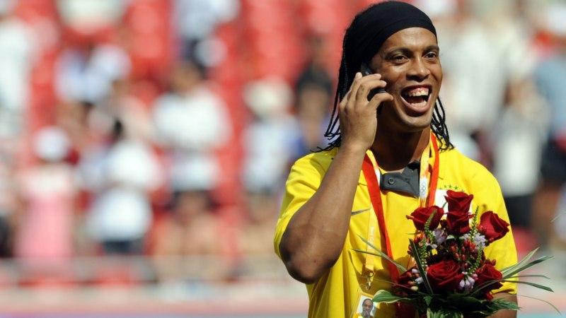 VÕTA, AGA PANE TAGASI! Ronaldinho sadadest miljonitest on alles vaid 6 eurot