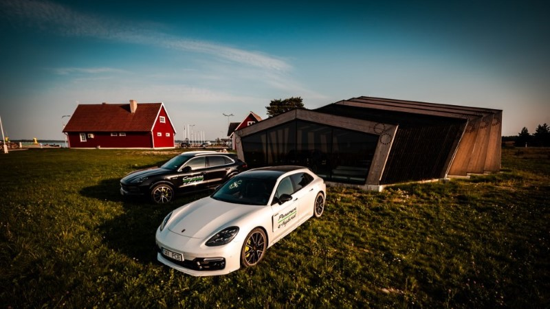 Porsche Panamera ja Cayenne'i E-hübriididega Saaremaad avastamas