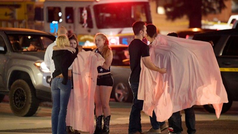 GALERII | California massitulistamises sai surma 12 inimest