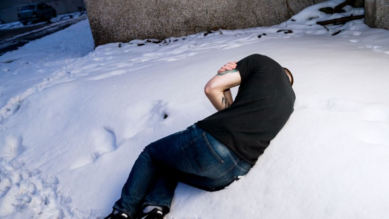 Kaks meest tapsid narvalase, et röövida talt õlu ja 40 senti