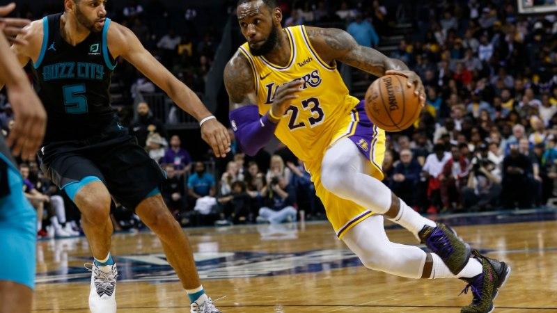 VIDEO | LeBron James ja Lonzo Ball pakkusid Lakersi särgis mängu, mida on ajaloos juhtunud vaid kaheksal korral