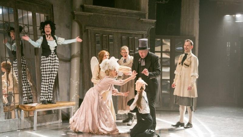 Halb üllatus: publik oli Linnateatris juba istet võtnud, kui selgus, et etendus jääb ära