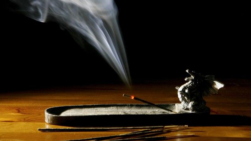 SOOME ARST: küünalde põletamine kahjustab tervist