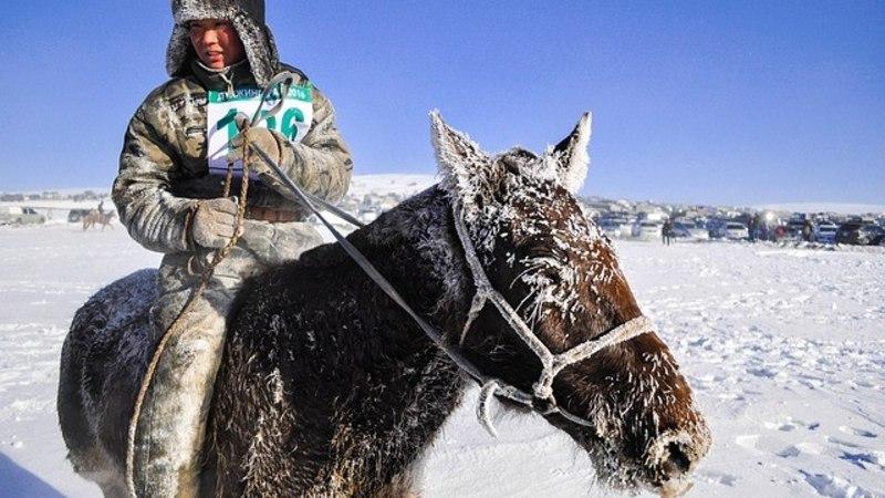 VAATA: 17 aasta jooksul Mongoolias reisinud fotograaf on jäädvustanud imelisi hetki