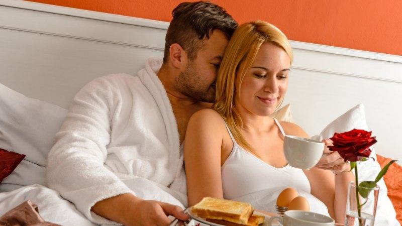 Kuus põhjust, miks alustada iga hommikut seksiga!