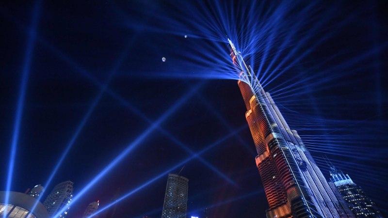 RAKETTIDE ASEMEL LASERID? Eesti linnajuhid kaaluvad tulevikus aastavahetuse ilutulestikust loobumist