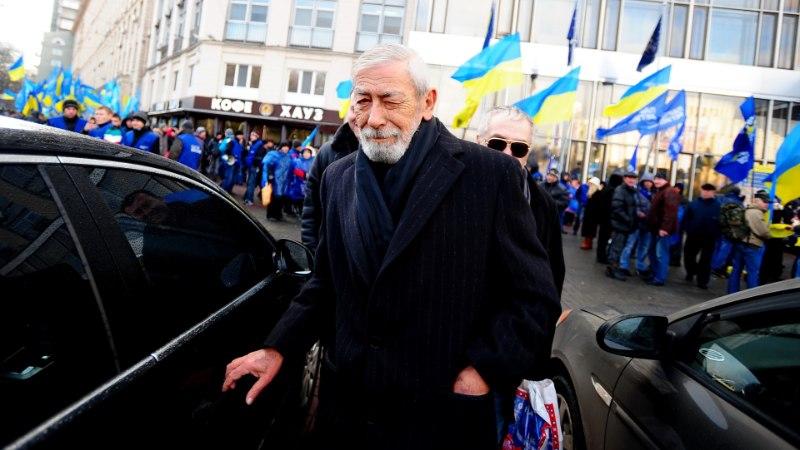 """""""Ни рукой, ни задницей"""": Кикабидзе взбесился на вопрос о выступлении в России"""