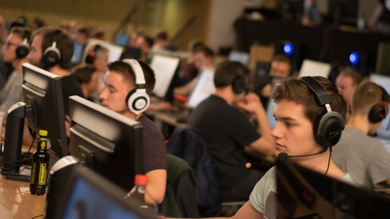 """VAATA OTSE! Videomänguüritus LAN Ruudus teeb selgeks parimad """"CS:GO"""" ja """"FIFA 19"""" mängijad"""
