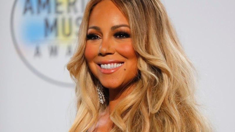 MÄNGUKANN PÄÄSTIS PÄEVA: Mariah Carey kleit jäi seekord liiga kitsaks...