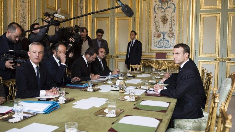 В Елисейском дворце начали опасаться государственного переворота во Франции